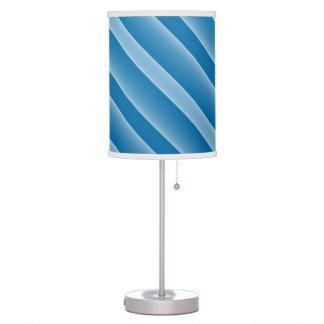 Raya diagonal ancha media azul marino y azul clara lámpara de escritorio