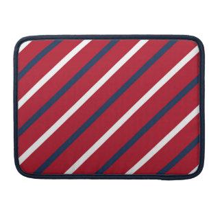 Raya diagonal del rojo, blanca y azul funda para macbooks