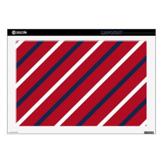 Raya diagonal del rojo, blanca y azul skins para portátiles