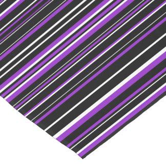 Raya negra, púrpura, blanca horizontal del código camino de mesa corto