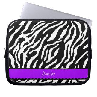 Raya púrpura con el modelo blanco y negro de la funda computadora