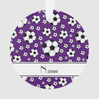Raya púrpura del blanco de los balones de fútbol