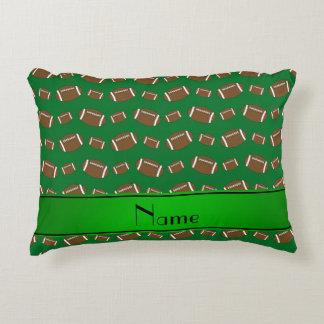 Raya verde personalizada de los fútboles verdes cojín decorativo