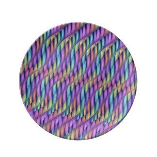 Rayar las ilustraciones en colores pastel del extr plato de cerámica