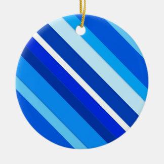 Rayas acodadas del caramelo - cobalto y azul claro adorno navideño redondo de cerámica