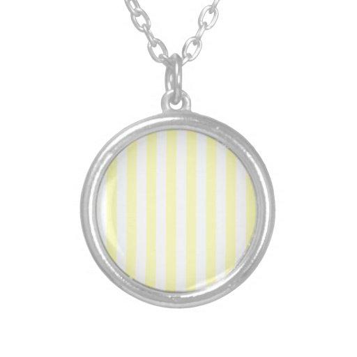 Rayas amplias - blancas y amarillo eléctrico collar