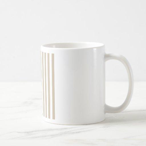 Rayas amplias - blancas y de color caqui taza básica blanca
