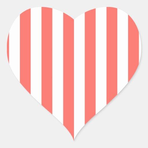Rayas amplias - blancas y rojo en colores pastel pegatina en forma de corazón