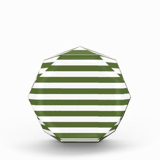 Rayas amplias - blancas y verde verde oliva oscuro
