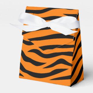 Rayas anaranjadas y negras del tigre del estampado caja para regalo de boda