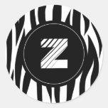 """Rayas animales de la cebra con el monograma de """"Z"""" Etiquetas Redondas"""