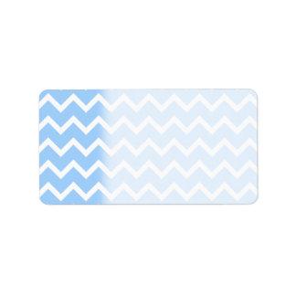 Rayas azul claro y blancas del zigzag etiqueta de dirección