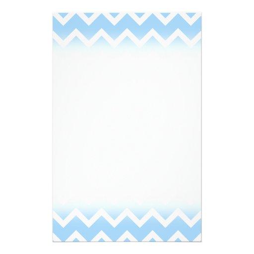 Rayas azul claro y blancas del zigzag tarjeta publicitaria