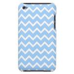 Rayas azul claro y blancas del zigzag iPod Case-Mate fundas