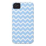 Rayas azul claro y blancas del zigzag Case-Mate iPhone 4 protector