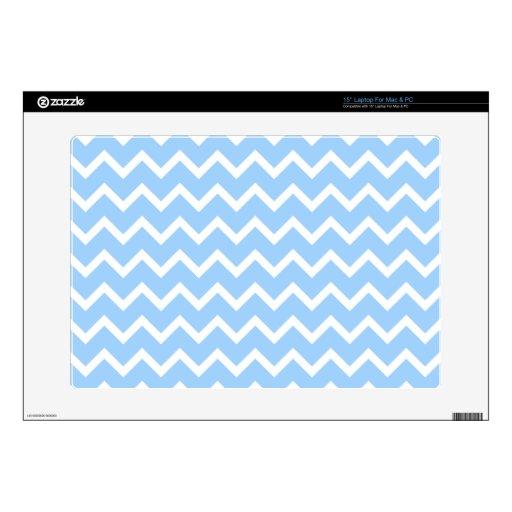Rayas azul claro y blancas del zigzag portátil skins