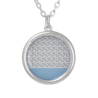 Rayas azules claras con los círculos grimpola