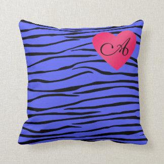 Rayas azules de la cebra del monograma almohadas