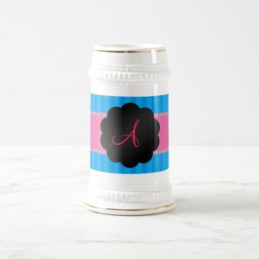 Rayas azules del monograma jarra de cerveza