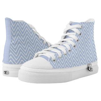 Rayas azules en colores pastel del zigzag de zapatillas