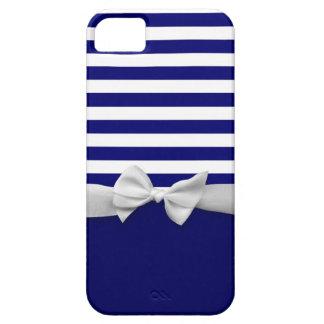 Rayas azules náuticas y gráfico blanco del arco de iPhone 5 Case-Mate protector