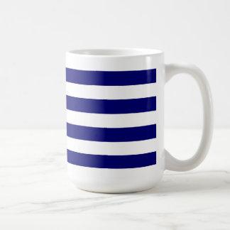 Rayas azules náuticas y gráfico blanco del arco de taza de café