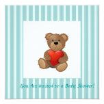 Rayas azules - oso de peluche con el corazón de la invitación 13,3 cm x 13,3cm