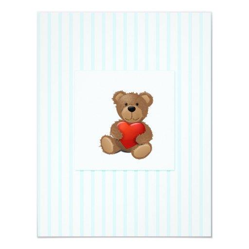 Rayas azules - oso de peluche con el corazón de la invitación 10,8 x 13,9 cm
