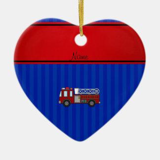 Rayas azules personalizadas del firetruck conocido adorno de cerámica en forma de corazón