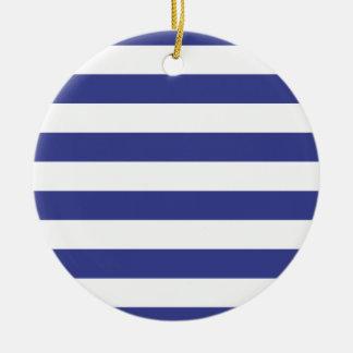 Rayas azules y blancas adorno navideño redondo de cerámica