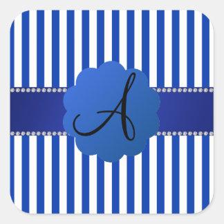 Rayas azules y blancas del monograma pegatina cuadrada