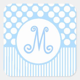 Rayas azules y monograma de los puntos del blanco calcomania cuadradas personalizada