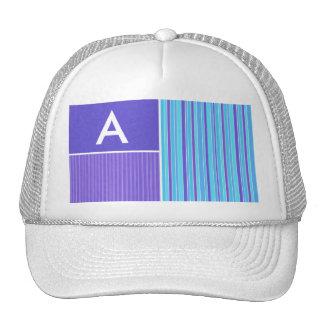 Rayas azules y púrpuras gorros bordados