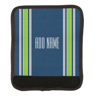 Rayas azules y verdes de los deportes con nombre funda para asa de maleta