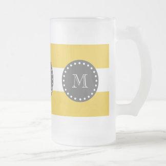 Rayas blancas amarillas modelo, monograma del carb taza de café