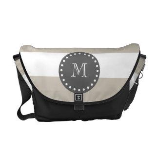 Rayas blancas beige modelo, monograma del carbón d bolsas de mensajería