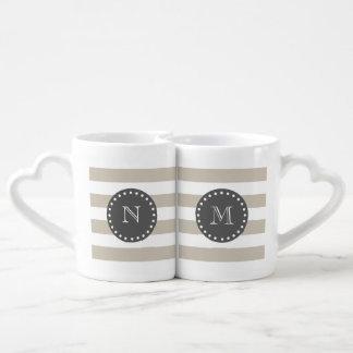 Rayas blancas beige modelo, monograma del carbón set de tazas de café