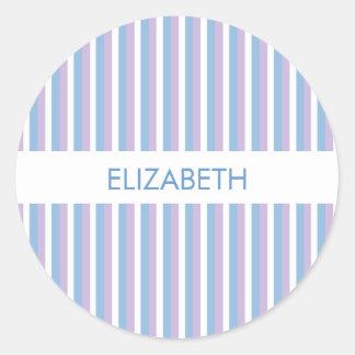 Rayas blancas de la lila azul blancas pegatina redonda