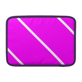 Rayas blancas en rosa funda macbook air