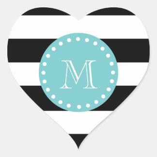 Rayas blancas negras modelo, monograma del trullo pegatina en forma de corazón
