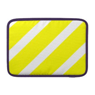 Rayas blancas y amarillas funda  MacBook