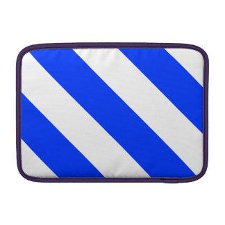 Rayas blancas y azules del peluquero fundas macbook air