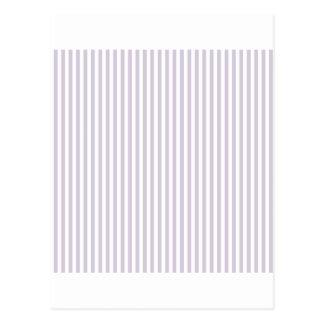 Rayas - blancas y lavanda lánguida postal