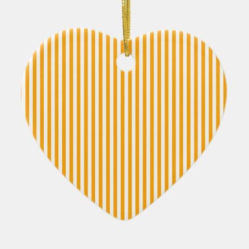Rayas - blancas y mandarina oscura adorno de cerámica en forma de corazón
