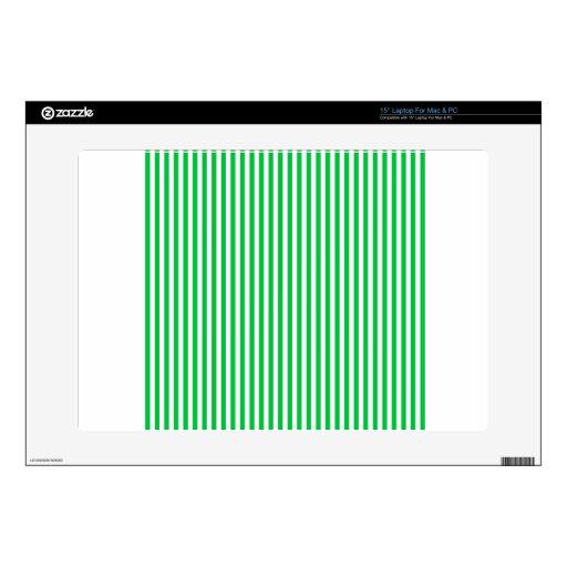 Rayas - blancas y verde en colores pastel oscuro portátil skins