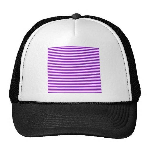 Rayas - blancas y violeta oscura gorro