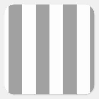 Rayas - blanco y gris pegatina cuadrada