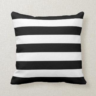 Rayas blancos y negros básicas almohadas