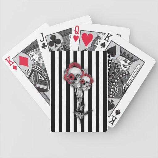 Rayas blancos y negros con las amapolas del cráneo cartas de juego