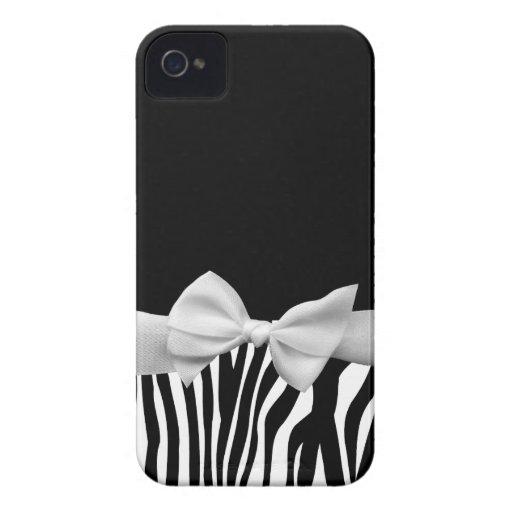 Rayas blancos y negros de la cebra y cinta blanca funda para iPhone 4 de Case-Mate